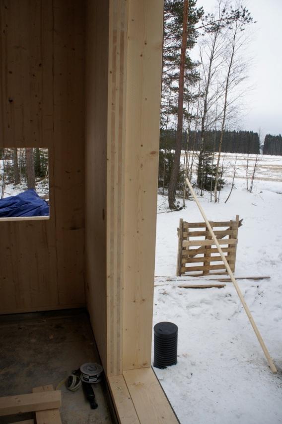 Tähän kohteeseen tulee 200 mm puukuitueristettä CLT - elementin ulkopuolelle